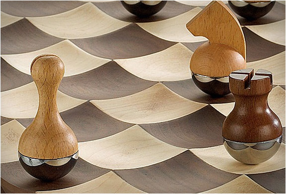 wobble-chess-set-3