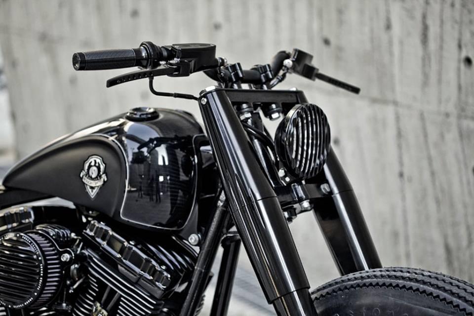 Мотоцикл Shadow Rocket от Rough Crafts и Roland Sands