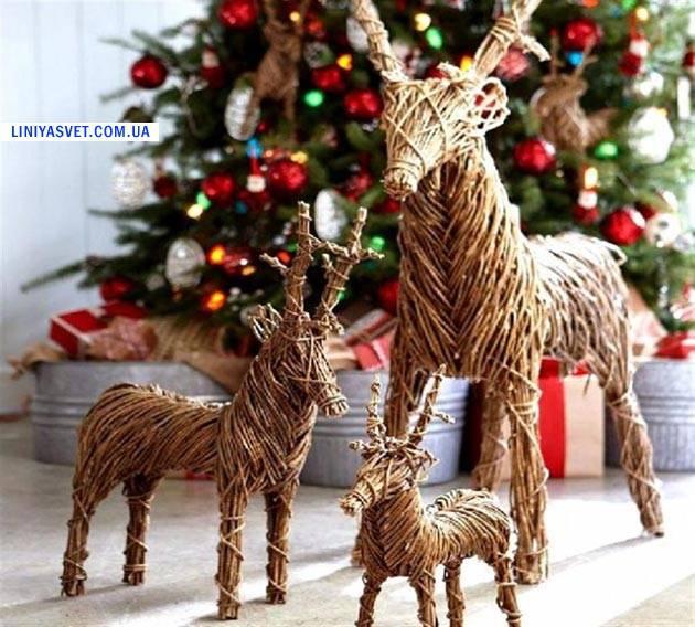 Новогоднее украшение из веток ели