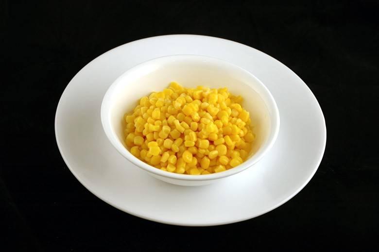 Консервированная кукуруза 308 г = 200 ккал