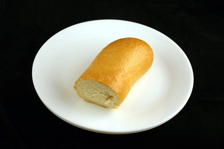 Французский батон (багет) 72 г = 200 ккал