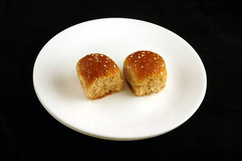 Пшеничная булочка 66 г = 200 ккал