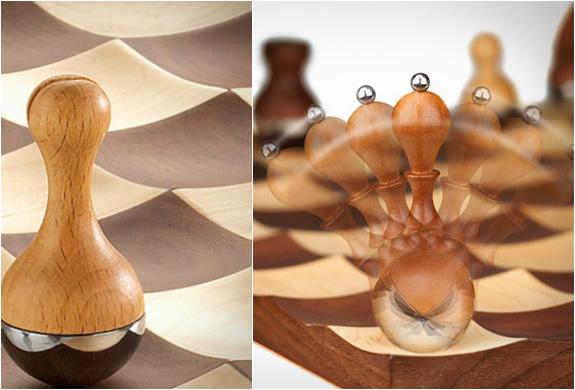 wobble-chess-set-4