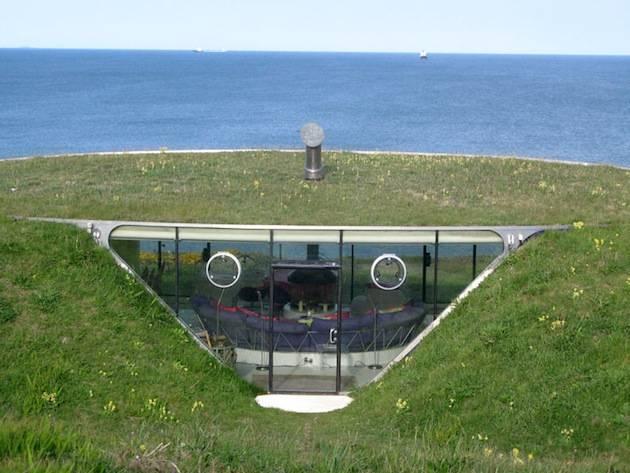 Exquisite-Underground-Malator-House-in-Wales-3