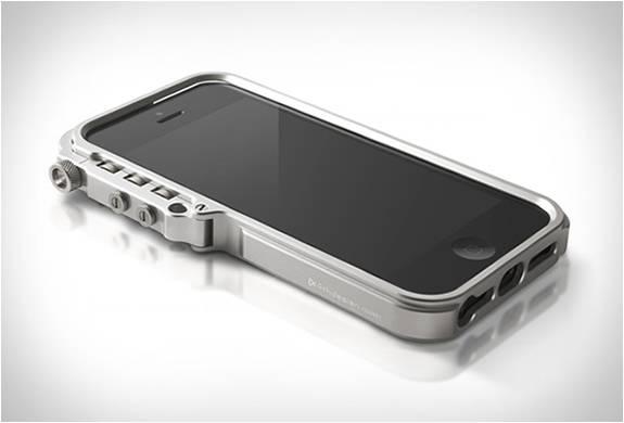 Бампер для iPhone5 Trigger Case