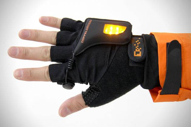 LED-Turn-Signal-Gloves-1