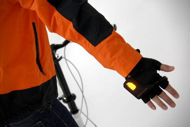 LED-Turn-Signal-Gloves-3
