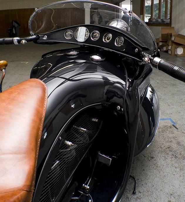 KJ Henderson Moto арт