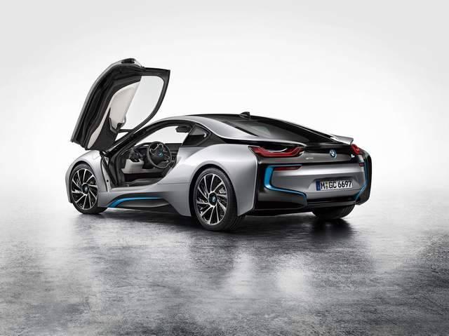i8 - первый гибрид от BMW