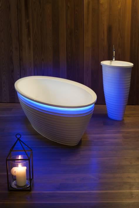 Инновационная ванна Еtna