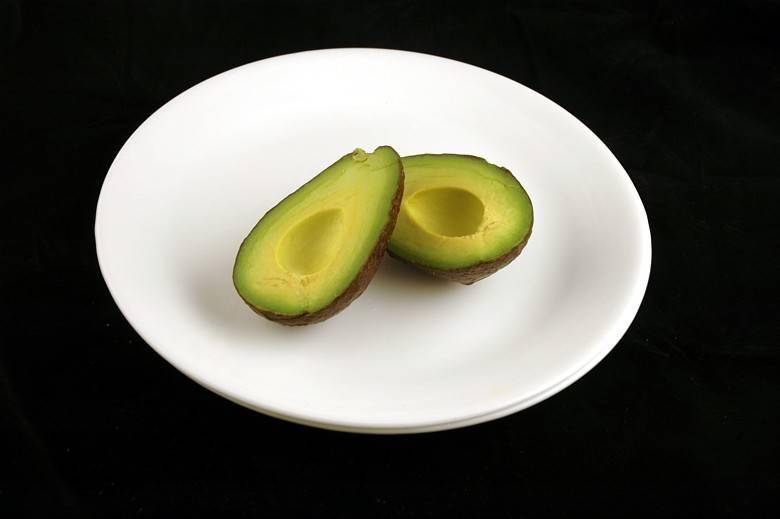 Авокадо 125 г = 200 ккал