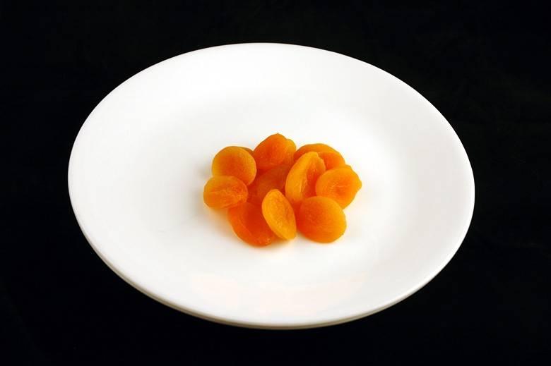 Сушеные абрикосы 83 г = 200 ккал
