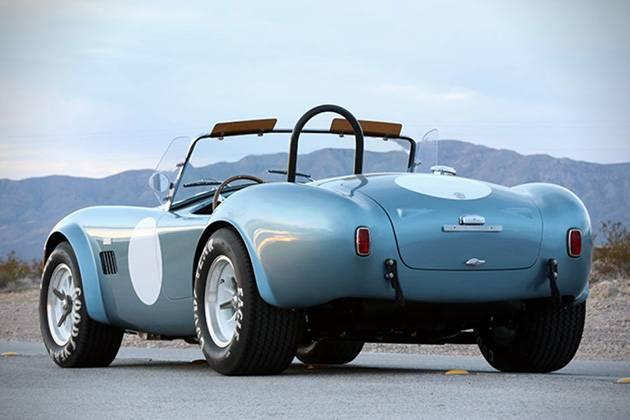 Shelby Cobra 289 FIA празднует свои 50 лет