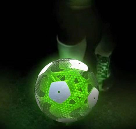 Футбольный мяч будущего от Agent